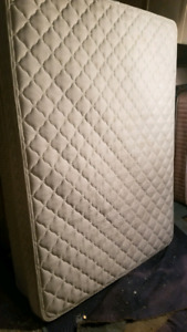Queen Mattress w/Box for sale - FREE DELIVERY!