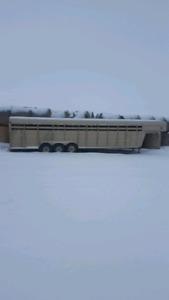 32ft gooseneck triaxle cattle trailer