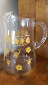 Pyrex Hard to Find Butterfly Gold Pitcher/Jug Excellent Conditio