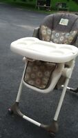 BABY-TREND FOLDING HIGH CHAIR