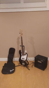 FENDER Squier J Bass w/ Rumble AMP, Carrying Case and Bass Stand