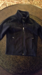 WARM AND COZY COLUMBIA FLEECE JACKET BOYS SIZE SMALL (8)