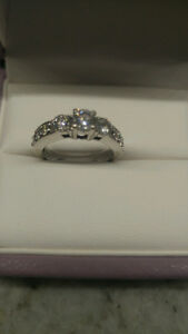 1/3000 made -  DIAMOND ENGAGEMENT RING