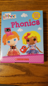 Child's phonics collection of 12 books in box