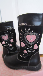 Girl black leather boots size 28 EU  ( 11 US )
