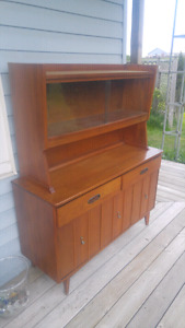 Beautiful antique hutch. FOR SALE.