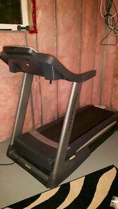 Free motion 730 treadmill