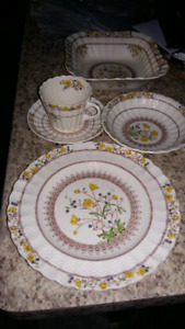 Place setting for 12 Buttercup Spode
