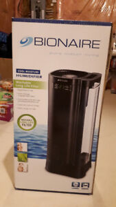 BIONAIRE Humidifier --moving sale