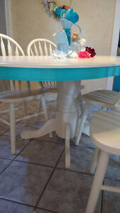 Super Cute Re-finished Table and Chair Set Windsor Region Ontario image 8