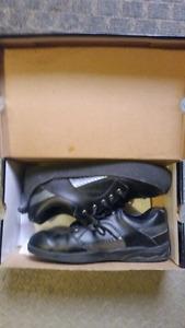 Olson Men's Curling Shoes (Size 9.5) + Curling Brush