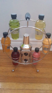 1960s Retro Look Bar Caddy With plastic shaker t