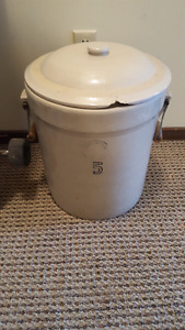 Alberta Potteries 5 gal crockpot