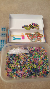 Rainbow Loom Kit with tones of colors