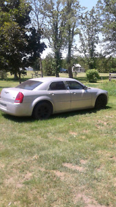 2005 CHRYSLER 300 (CERTIFIED AND E-TESTED)
