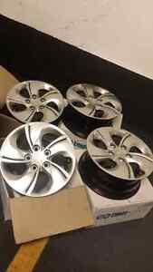 15 inch steel rims with hub caps 5×114.3 bolt pattern/honda/..