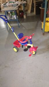 Tricycle Littles tikes avec guidon
