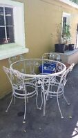 Wrought Iron vintage table and 4 chairs