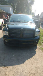 Powerful 2003 Dodge Ram 1500 Hemi Black $6,500 obo