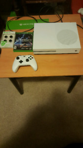 Xbox One S/1 controller/1 game Battlefront II