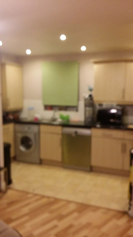 2 BED FLAT: GLANDFORD WAY CHADWELL HEATH RM6 4US- EXCLUDE ALL BILLS