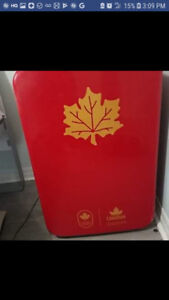 2018 Molson Canadian Gold Olympic Beer Fridge.