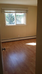 !!! HEY ! 1 BEDROOM SUITE !  JANUARY FREE ! CALL TODAY !!!