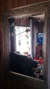 BEAUTIFUL mirror and Living Room Lamp for sale!