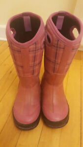 Size 12 Pink BOGS winter boots