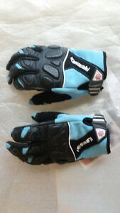 Motorcycle gloves for sale! Virtually brand new!