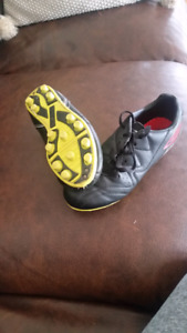 Youth soccer cleats size 3.