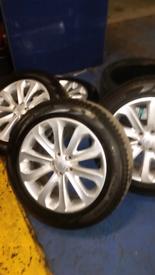 """Genuine 20"""" Range Rover sport alloys"""