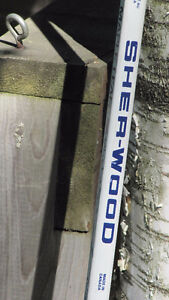 Signed hockey stick- Maple Leafs 1991-92 signed by 18-20 players West Island Greater Montréal image 6