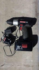 Craftman cordless drill 3/8 in. 19.2V with charger