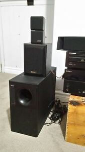 ** REDUCED ** Complete Home Theatre Surround Sound System Kawartha Lakes Peterborough Area image 3