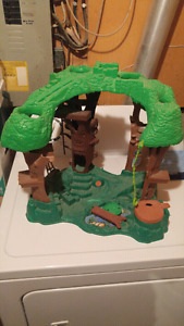 Plastic Toy Jungle Perfect for action figures