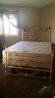 HEARTSHAPE ROMANTIC 1800's ANTIQUE BRASS & IRON 4 POSTER BED