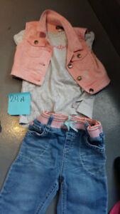 Lot vêtements fille 24 mois