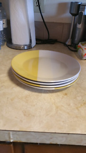 4 plates very clean