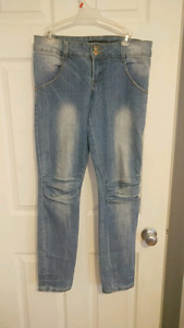 SET OF JEANS ALL FOR 15$