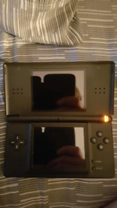 Nintendo DS lite black, 2 games and carrying case. OBO