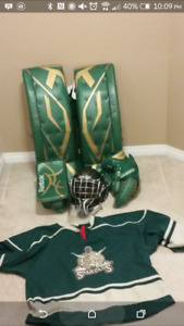 Bauer supreme 35 +2 goalie pads and reebok glove and blocker