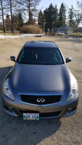 Infiniti G37x 2013 in great condition!