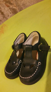 Naturino  leather shoes- size 6