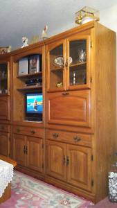 Beautiful, real wood, like new condition, 3-piece wall unit