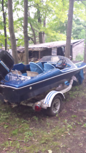 16ft Cricket sport boat with trailer. Runs