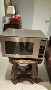 Large MICROWAVE.. High end DACOR