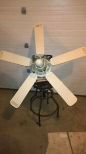WHITE 5 BLADE CEILING FAN with LIGHT