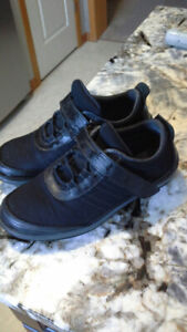 Orthofeet shoes size 7D, black