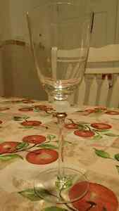 WINE GLASSES SET OF 6 WITH GOLD